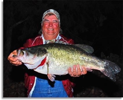 Seo 15 pound caddo lake largemouth bass for Caddo lake fishing